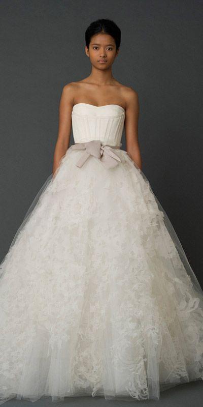 vera wang wedding dress    www.verawang.com/...