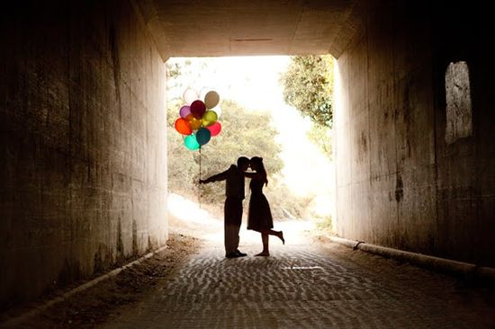 A balloon themed engagement photo shoot. I'm such a sucker for a silhouette picture...