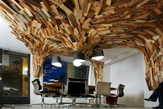 What a wonderful office design with cool wooden ceiling boards. #officedesign#office#chic