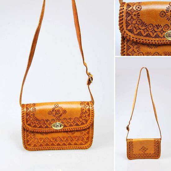 A tooled vintage bag makes a chic summer carryall. #EtsyAustralia