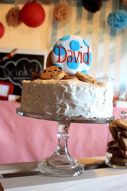 Such a cute cookie cake