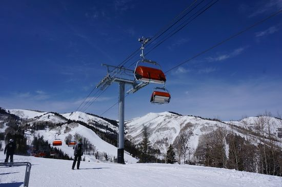 Zip lines, great food, comfy lifts--why Canyons Resort is great for families @VailResorts #skiweek