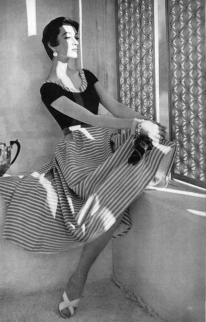Dovima, photo by Horst, Vogue June 1953