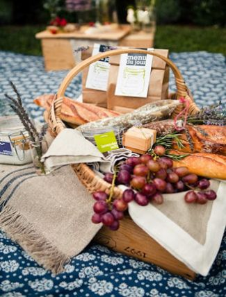 Cocktail Hour Picnic Baskets  We love this idea to serve cocktail hour foods to guests. It is both sophisticated and laid-back.