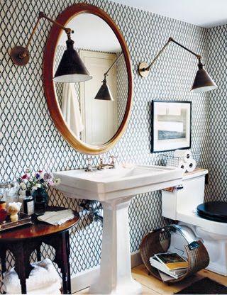 Wallpaper in bath