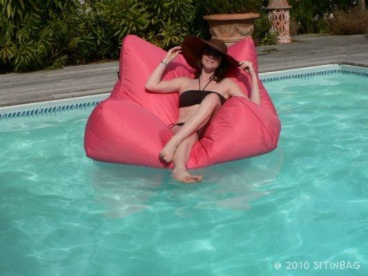 colchoneta piscina comoda