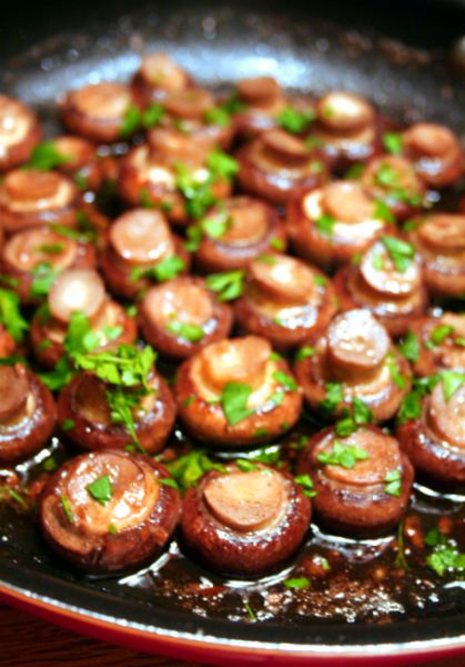 Garlic Mushrooms In A Red Wine Sauce