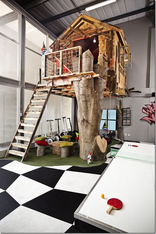 Nine Absolutely Crazy Offices