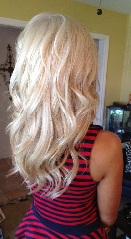 Gorgeous thick, long blonde hair ?