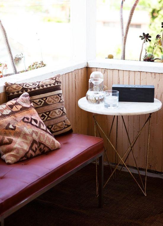 cozy corner #livingroom #sofa #cushions #home #interior #decor #sidetable