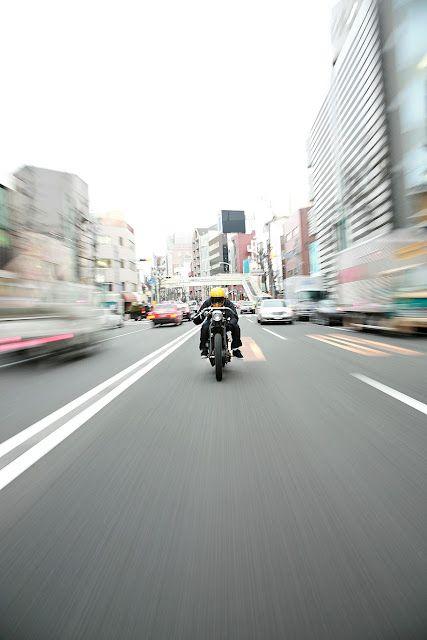 motorbike_rider_cruising_the_city_streets