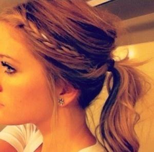 I love this messy braided ponytail.