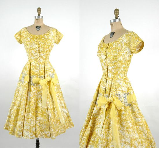Gorgeous mustard yellow and ivory 1950s dress with large laced ribbon detail at the hips from Dalena Vintage on etsy. Love!!! #vintage #1950s #fashion #dresses