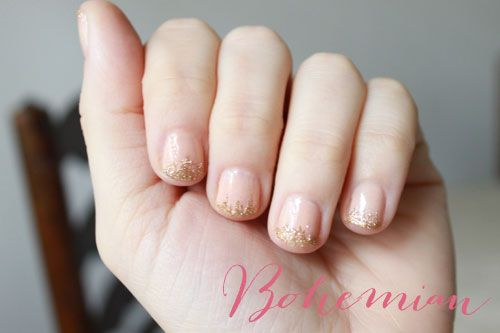 diy bohemian glitter and nude manicure