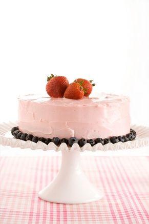 Paula Deen's Strawberry Cake