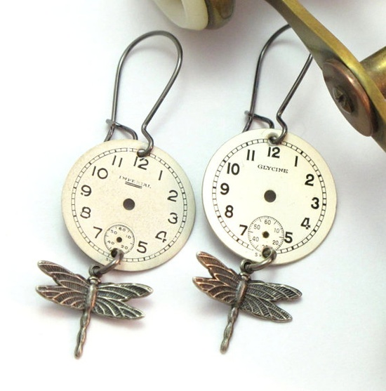 Sweet Dragon Fly Steampunk Earrings by Mystic Pieces #steampunk #jewelry #valentinesday