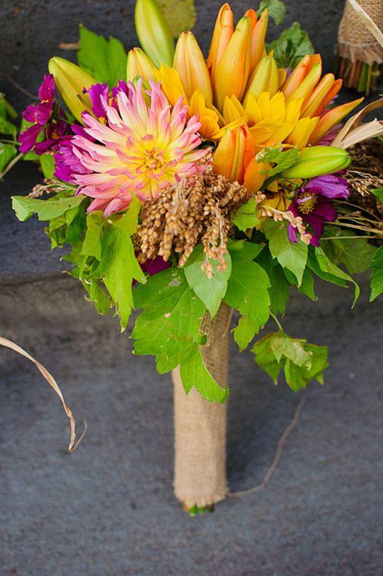 fall wedding bouquet idea www.weddingchicks...