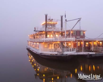 Mark Twain Riverboat in Hannibal, Missouri. One of the photos in our new collection of Missouri images! @VisitMO