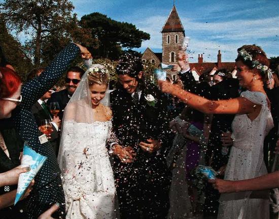 Peaches Geldof in Alberta Ferretti special wedding dress. #peachesgeldof #albertaferretti #wedding #dress #white #bridal #bride #fashion #look
