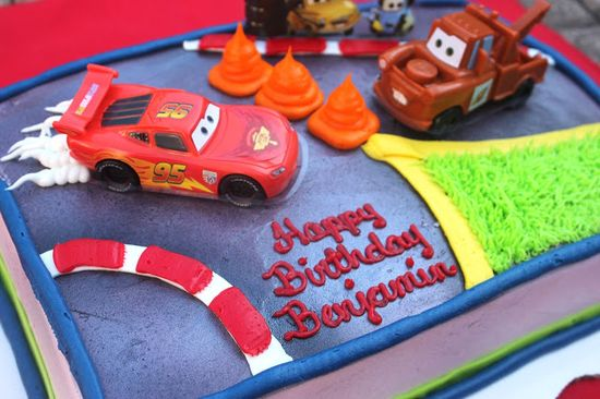 A Cars Dream Party Celebration - I love this gorgeous #Cars #Cake from Walmart! #dreamparty #shop
