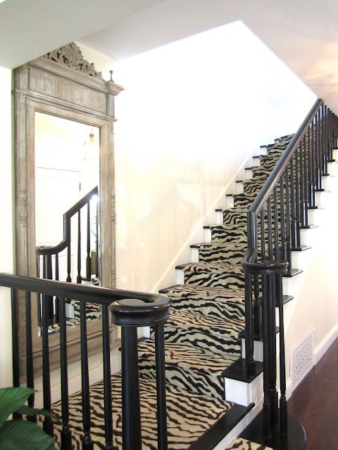 like the mirror, love the carpet choice on the stairs