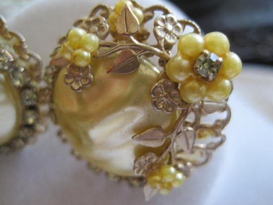 Vintage Haskell Style Yellow Faux Pearl Flower by VintagObsessions, $20.00