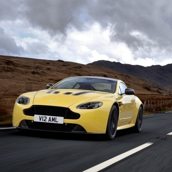 Great shot of the amazing V12 Vantage S 2014! #Astonmartin