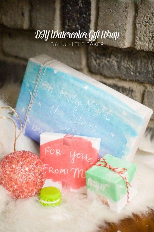DIY Gift Wrap Banner