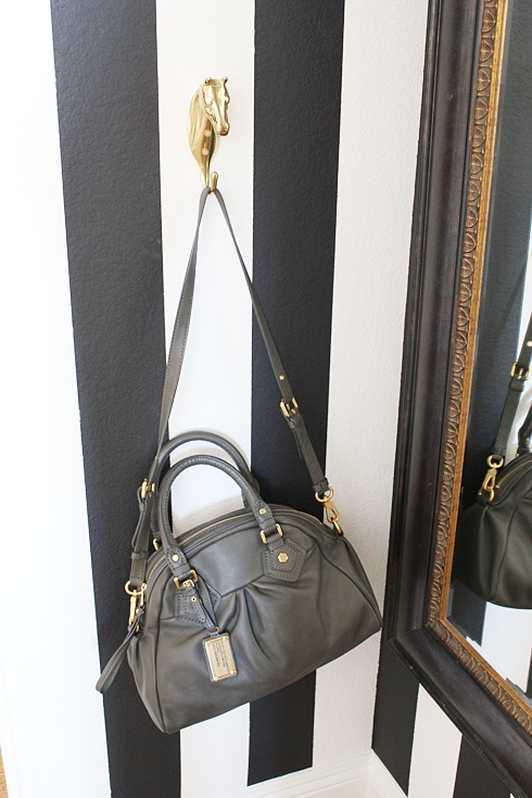 I have this handbag in black! It's so cute, I love it!