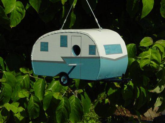 Retro Camper Birdhouse