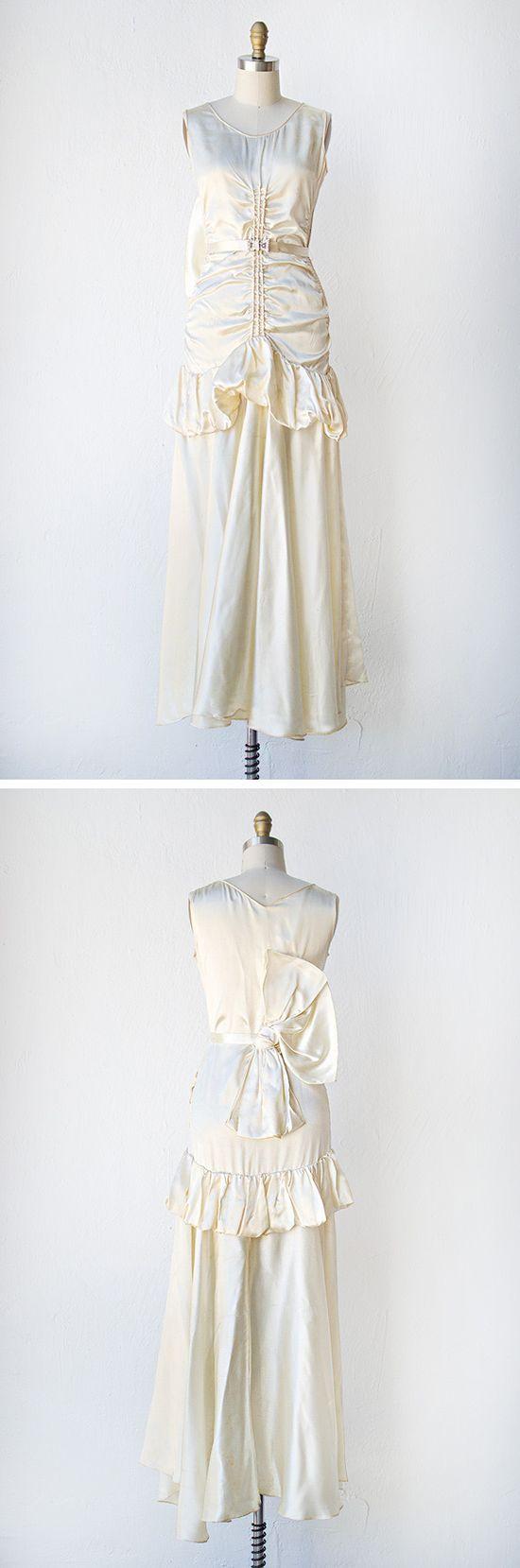 vintage 1930s wedding dress