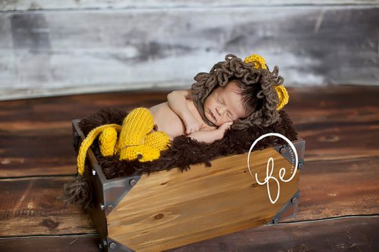 lion hat... newborn hat... newborn lion set.. Photography Prop Many... photo prop .. Sale 20% off  with code FALL1 on Etsy, $65.00