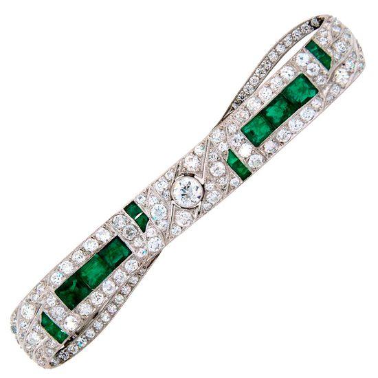 Art Deco Diamond Emerald & Platinum Pin Brooch