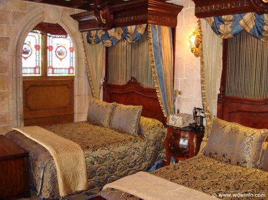 Bedroom in Cinderella Castle Suite