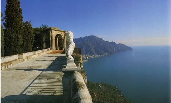 Visual do Hotel Villa Rufolo Ravello em na Costa Amalfitana é de tirar o fôlego.  -Quiza la Próxima!