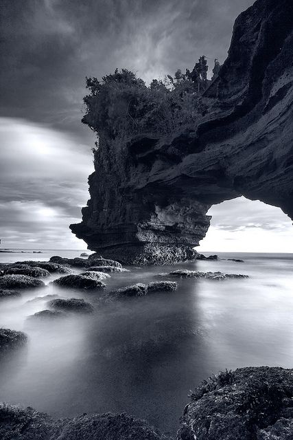 Pura Batubolong - Tanahlot, Bali. Photo by Jessy Eykendorp