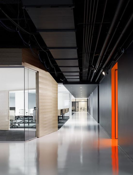 Techshed office, Foster City, California designed by Garcia Tamjidi Architecture