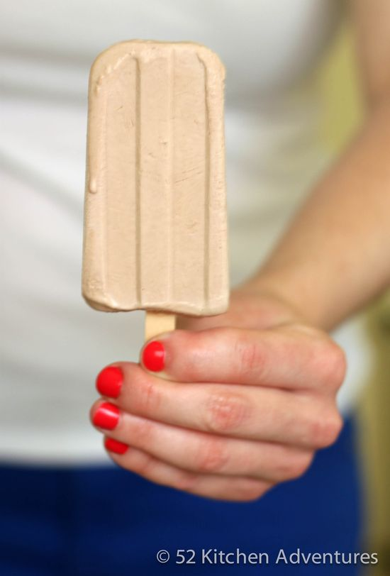 Creamy Nutella Popsicles - Only 3 ingredients!