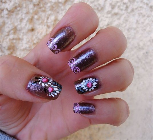 pink daisies - Nail Art Gallery nailartgallery.na... by NAILS Magazine nailsmag.com