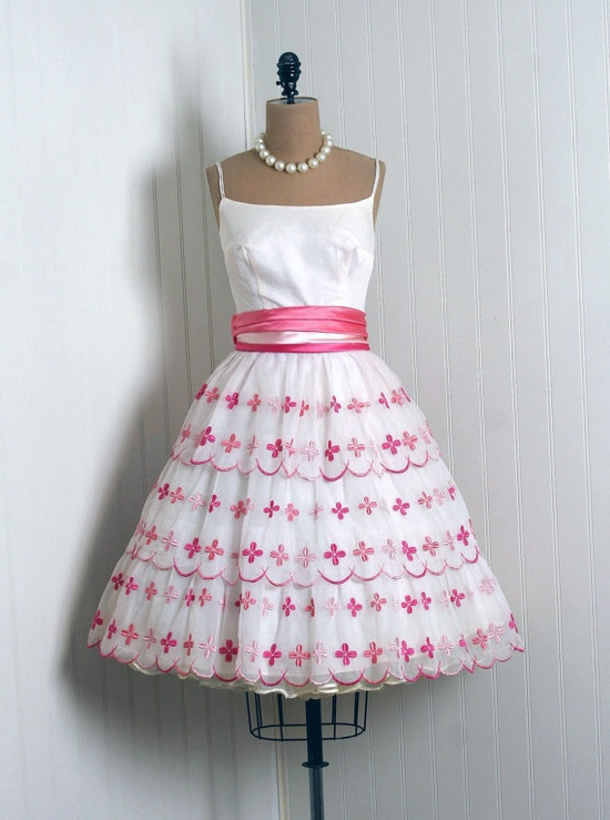 1950's Vintage Baby-Pink & White Embroidered-Floral Chiffon Satin Couture Low-Cut Sleeveless Ballerina-Cupcake Tiered Full-Skirt Party Dress