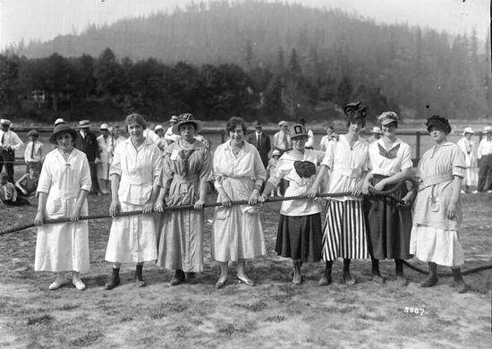 Ladies' tug-o-war team at the BC Sugar Refinery company picnic, Bowen Island, 1917. #Edwardian #women #vintage #British_Columbia #Canada
