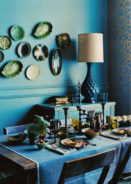 A deep hued moody room by prop stylist Robyn Glaser #robynglaser #interiordesign #diningroom #blue