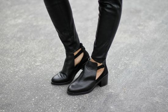 #fashion #shoes Corriere della moda: Purple details
