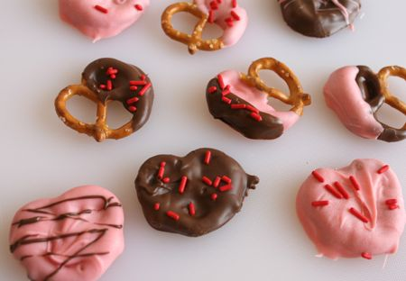 Chocolate-dipped Pretzel Hearts
