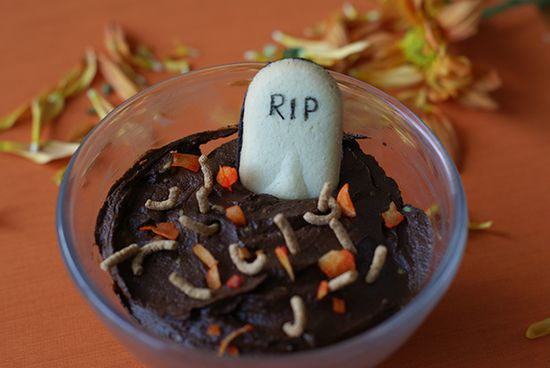 Muddy Graveyard Mousse {Healthy Homemade Halloween Candy}
