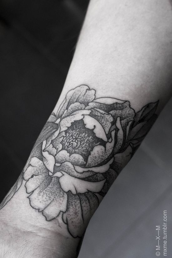 I LOVE this Peony tattoo..I really like the idea of getting my quote and then later wrapping some flowers along the bottom on my hip, into it.