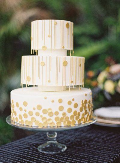 gold cake by www.studiocake.com