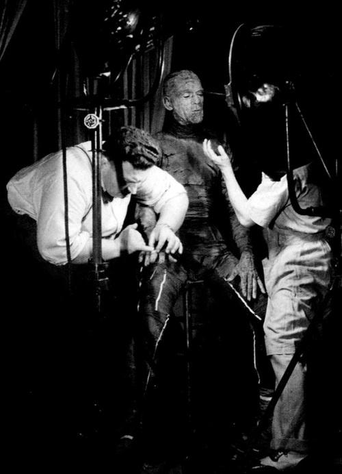 Boris Karloffundergoing his transformation forThe Mummy(1932, dir. Karl Freund)