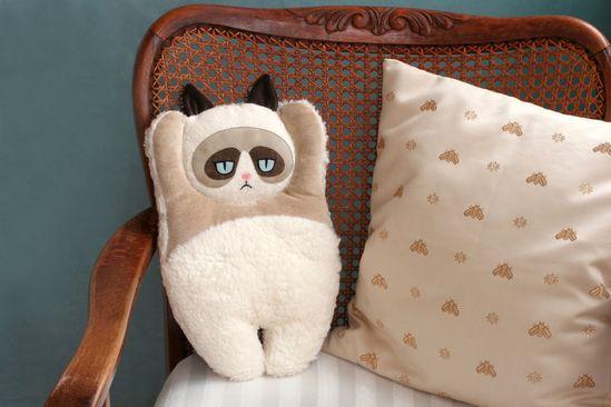 Plush pillow Grumpy Cat