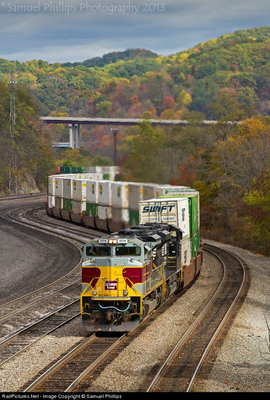RailPictures.Net Photo: NS 1074 Norfolk Southern EMD SD70ACe at Bluefield, West Virginia by Samuel Phillips   ..rh